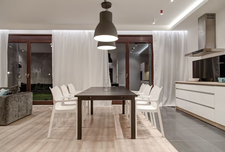 Dining room by Perfect Space