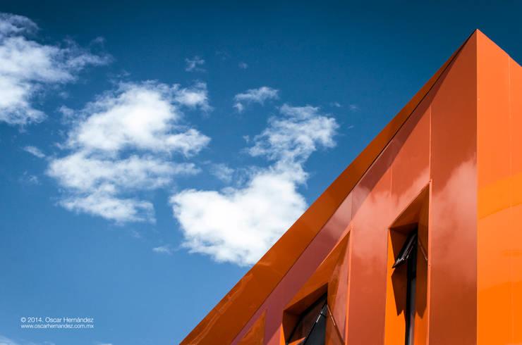 CASA C+G / PLASTIK ARQUITECTOS:  de estilo  por Oscar Hernández - Fotografía de Arquitectura