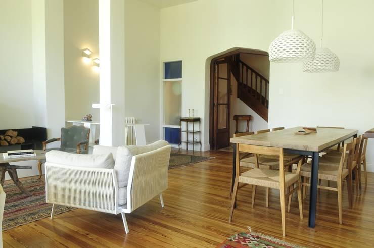 Salas de estilo  por Paula Herrero | Arquitectura