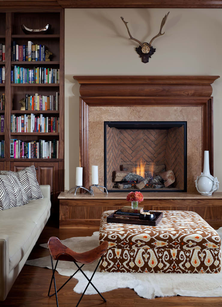 Cherry Creek Traditional with a Twist:  Study/office by Andrea Schumacher Interiors