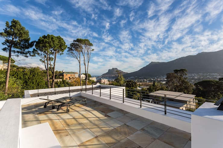 House Hout Bay - Babett Frehrking Architect:  Houses by Babett Frehrking Architect