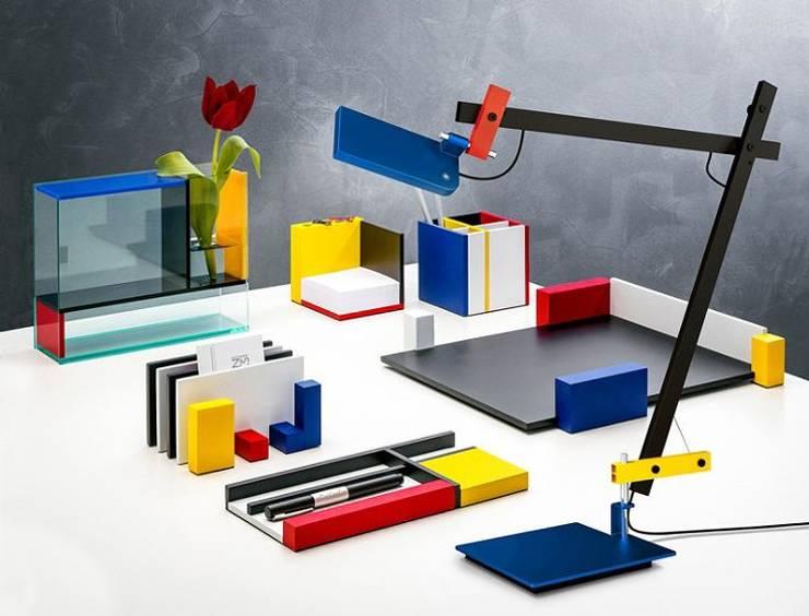 Lotek lámpara de escritorio : Dormitorios infantiles  de estilo  por Griscan diseño iluminación