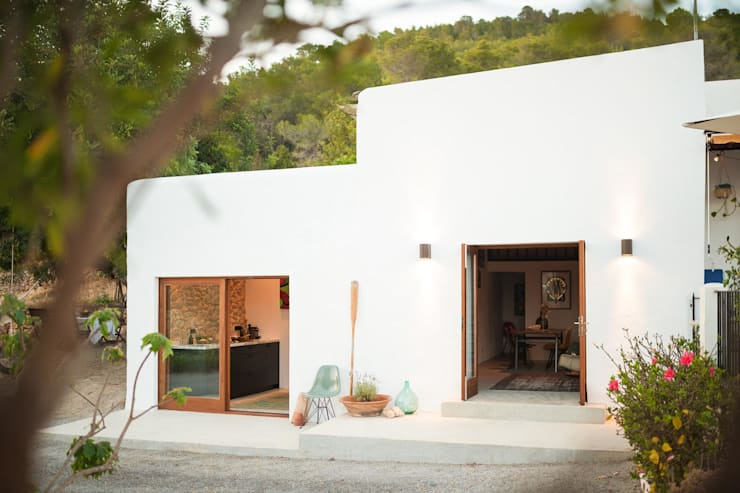 Ibiza Campo - Guesthouse:  Houses by Ibiza Interiors - Nederlandse Architect Ibiza