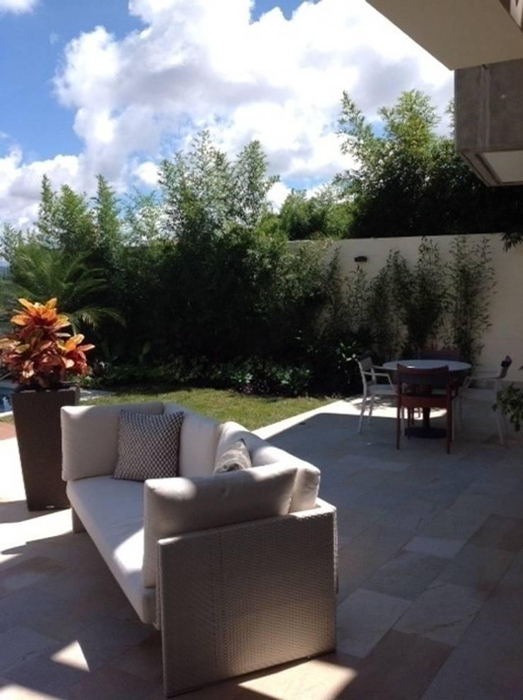 Terraza Los Campitos: Terrazas de estilo  por THE muebles