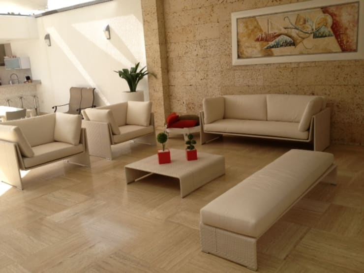 Salas / recibidores de estilo  por THE muebles