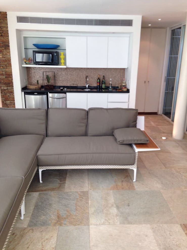 Proyecto Altamira: Salas / recibidores de estilo  por THE muebles