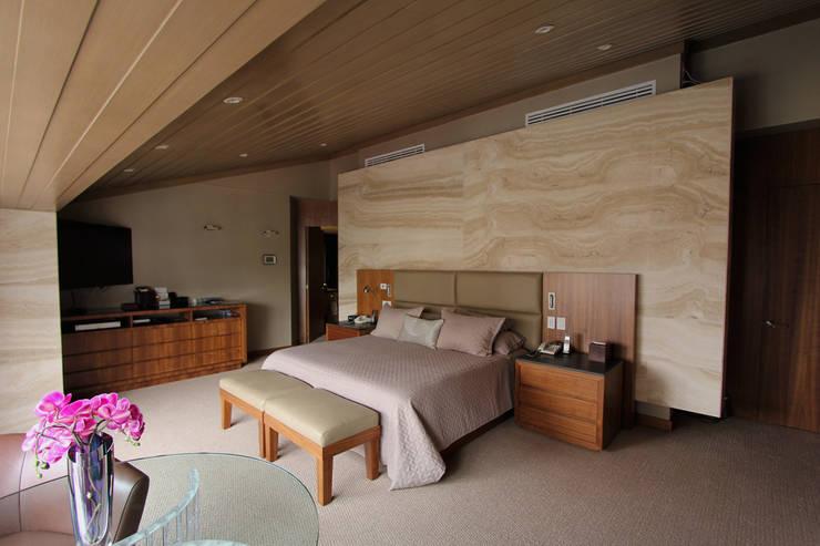 غرفة نوم تنفيذ ARCO Arquitectura Contemporánea