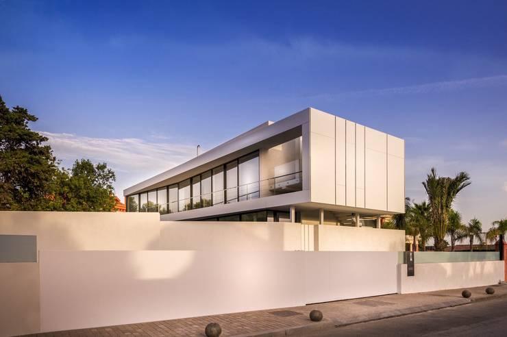 Villa Marbella :  Huizen door Lichtmeesters, Modern