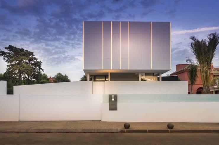 Villa Marbella:  Huizen door Lichtmeesters, Modern