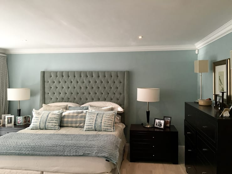 De Kelders Residence Hermanus Western Cape:  Bedroom by CS DESIGN