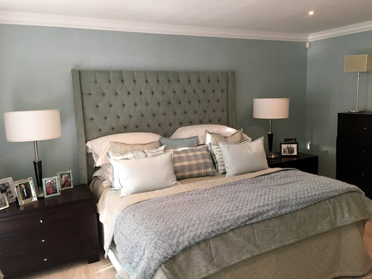 De Kelders Residence Hermanus Western Cape:  Bedroom by CS DESIGN
