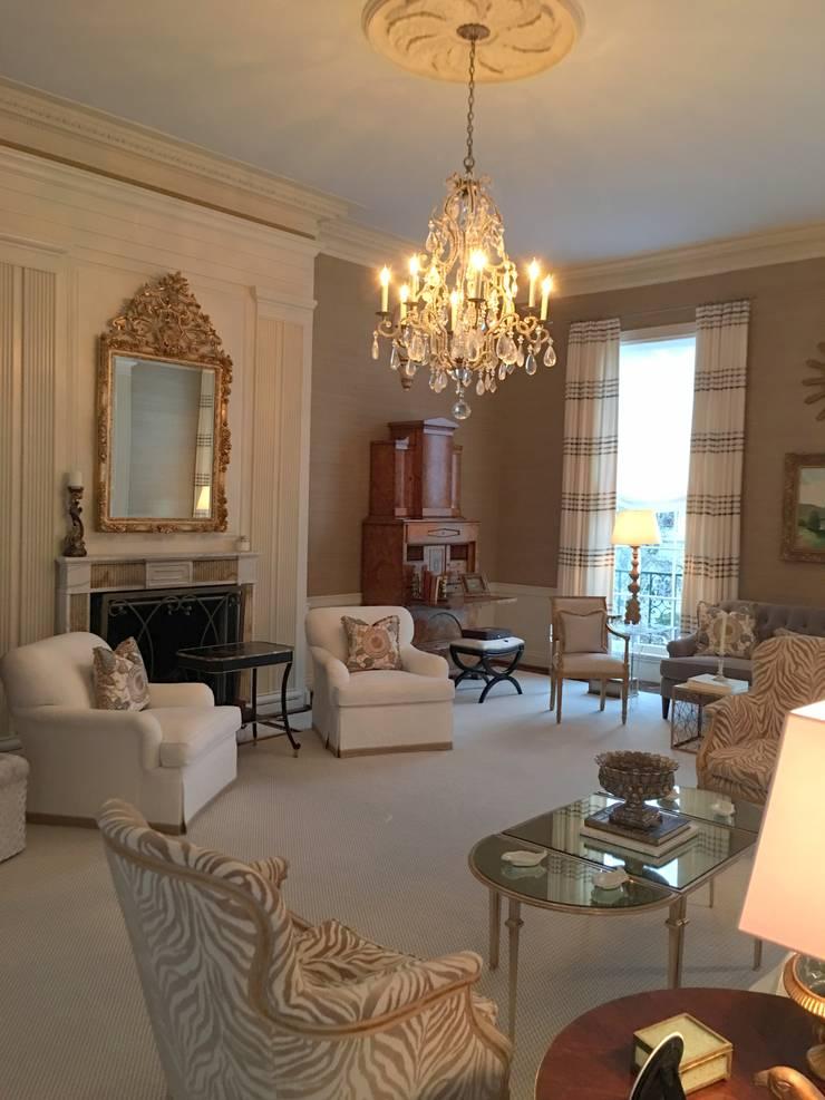 Phòng khách by Hinson Design Group