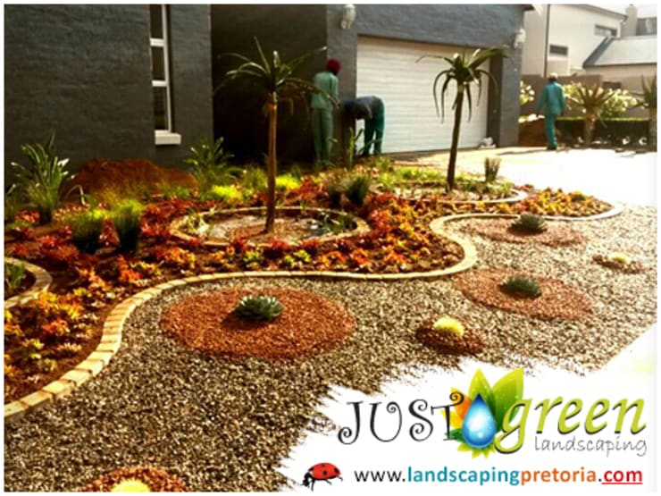 Landscaping Pretoria:  Garden by Landscaping Pretoria, Modern Wood Wood effect