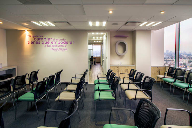 Doterra : Estudios y oficinas de estilo  por DIN Interiorismo