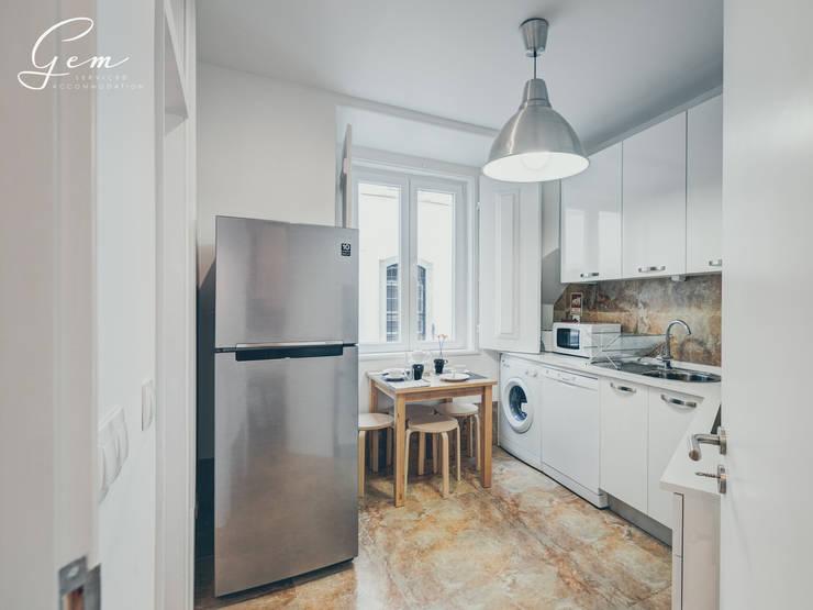 Kitchen by Obrasdecor