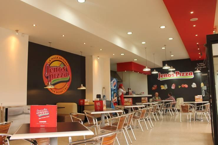 JENOS PIZZA / CHAPINERO / Cll59 Cra7ª / BOGOTÁ D.C / NOV 2012: Locales gastronómicos de estilo  por Kraft Atomo Arquitectura / Urbanismo / Paisajismo