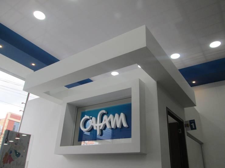 AGENCIA DE EMPLEO CAFAM – TOBERÌN / BOGOTÀ COLOMBIA SEPT 2014: Edificios de oficinas de estilo  por Kraft Atomo Arquitectura / Urbanismo / Paisajismo