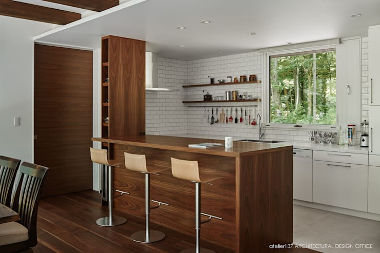 キッチン~041軽井沢Mさんの家: atelier137 ARCHITECTURAL DESIGN OFFICEが手掛けたキッチンです。,北欧 木 木目調