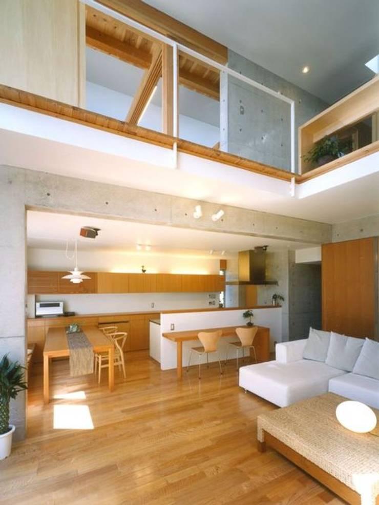 七郷の家: FrameWork設計事務所が手掛けたダイニングです。