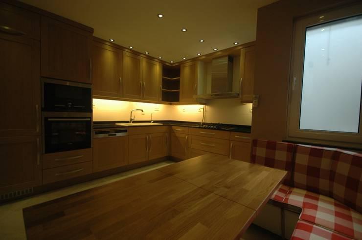 İndeko İç Mimari ve Tasarım – Nişantaşı Evi:  tarz Mutfak, Modern