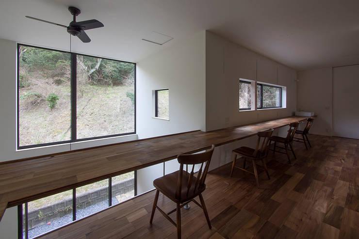 Детские комнаты в . Автор – 桑原茂建築設計事務所 / Shigeru Kuwahara Architects