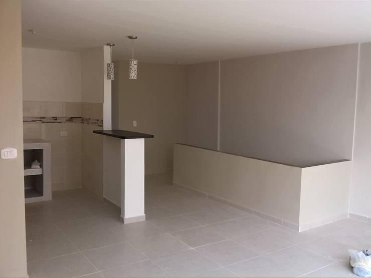 Projekty,  Ściany zaprojektowane przez EcoDESING S.A.S DISEÑO DE ESPACIOS CON INGENIO