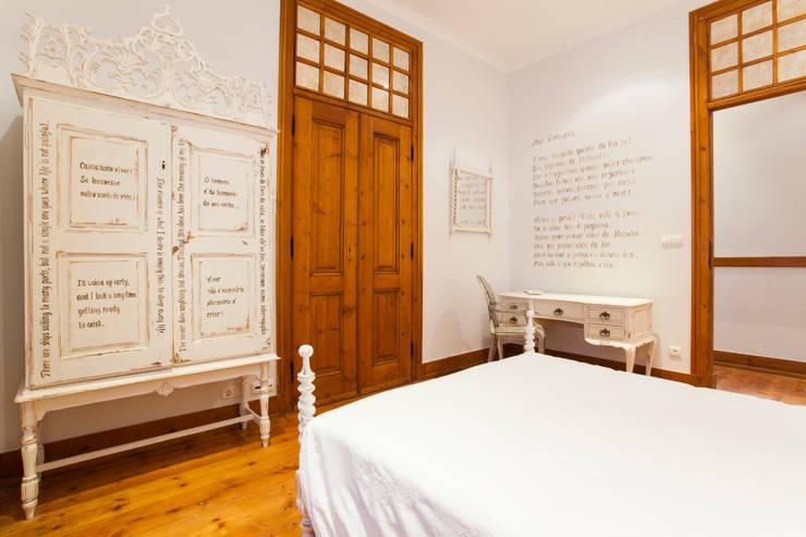 Apartamento Alma Lusa, uma casa portuguesa, com certeza!: Quartos  por alma portuguesa