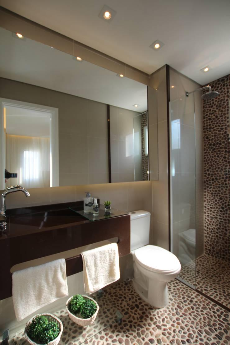 Casas de banho  por Pricila Dalzochio Arquitetura e Interiores, Moderno