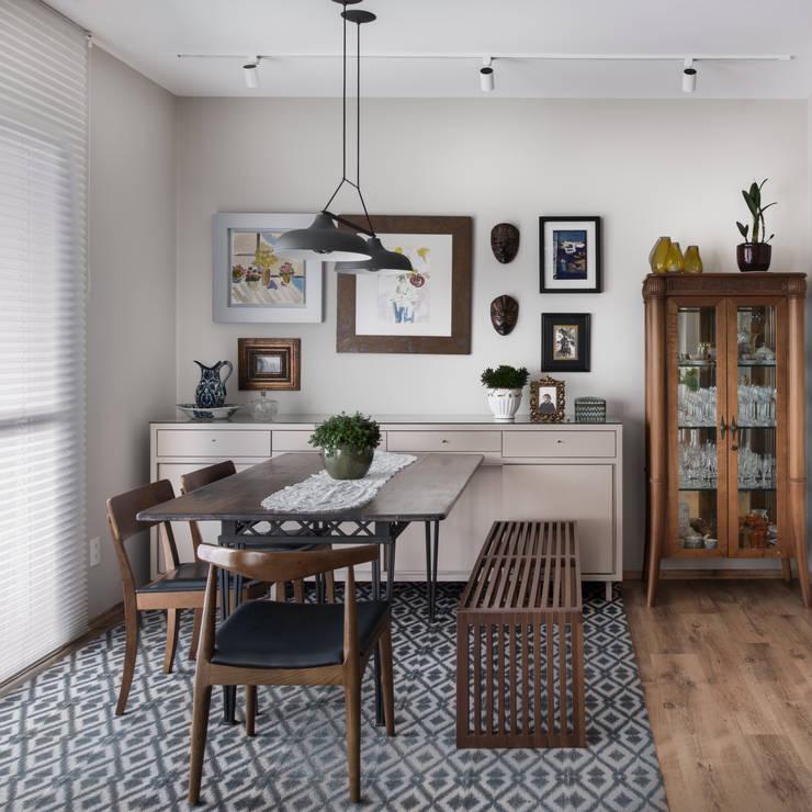 Sala de jantar: Salas de jantar modernas por Alma em Design