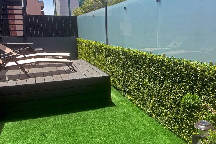 Roof Garden: Edificios de Oficinas de estilo  por Ranka Follaje Sintético