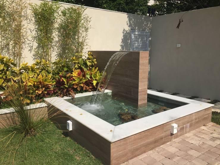tropical Garden by GEA Arquitetura
