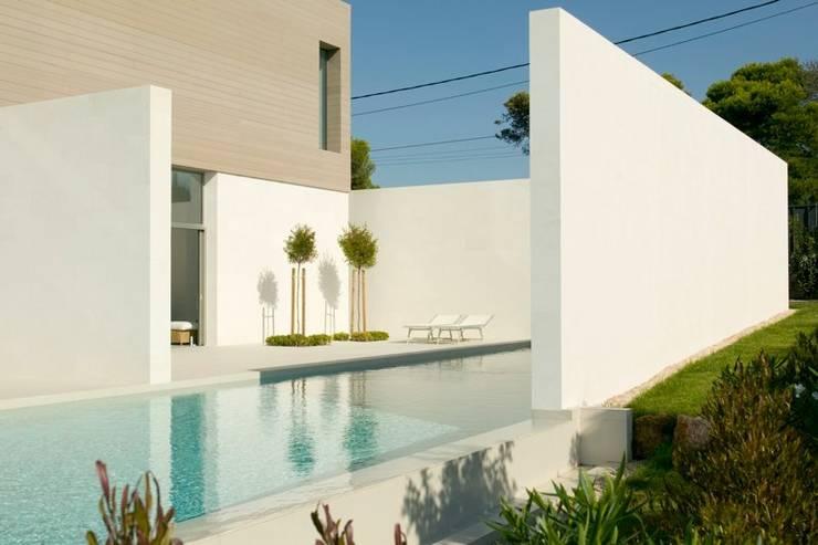 CASA SEACUB: Casas de estilo minimalista de RM arquitectura