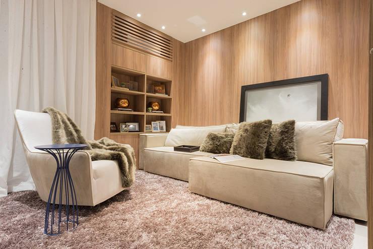 modern  by Renata Matos Arquitetura & Business, Modern Wood Wood effect