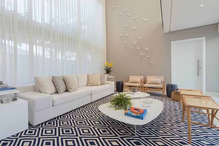 modern  by Renata Matos Arquitetura & Business, Modern Flax/Linen Pink