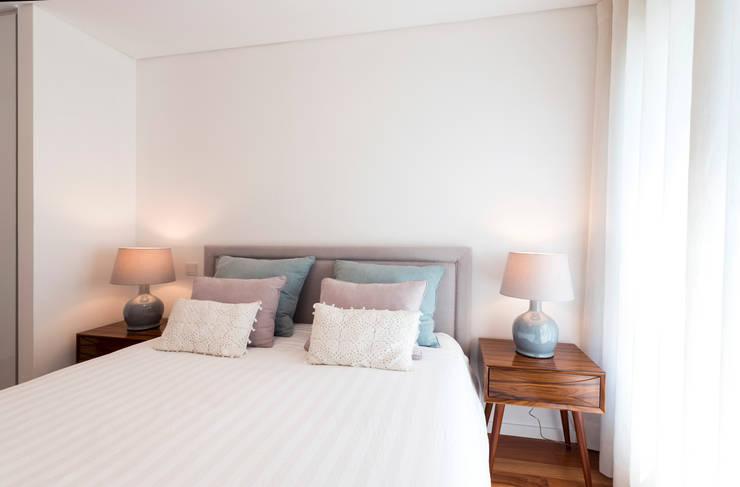 Super Cozy: Quartos  por Filipa Cunha Interiores