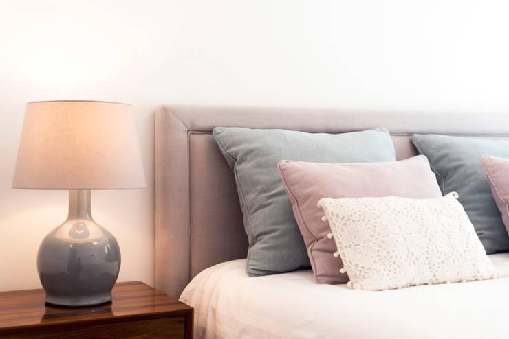 غرفة نوم تنفيذ Filipa Cunha Interiores