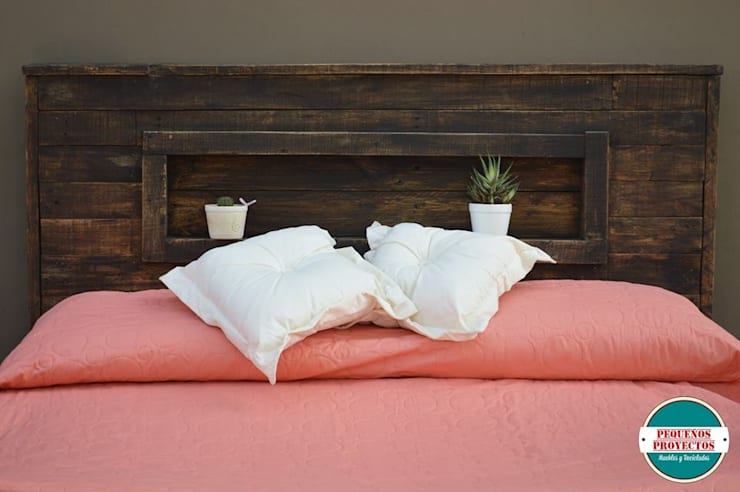 RESPALDO DE CAMA: Dormitorios de estilo rústico por Pequeños Proyectos