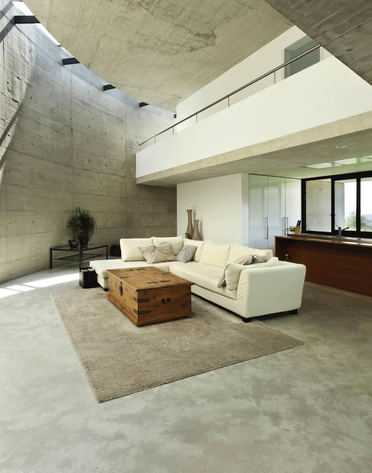 Beton Cire : styl , w kategorii Korytarz, hol i schody zaprojektowany przez Studio Stylizacji Wnętrz i Wizerunku