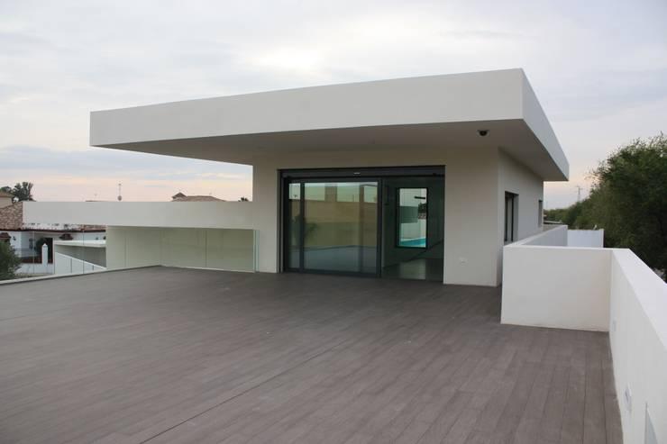 Terrazas de estilo  por ARIS  Arquitectura y Urbanismo