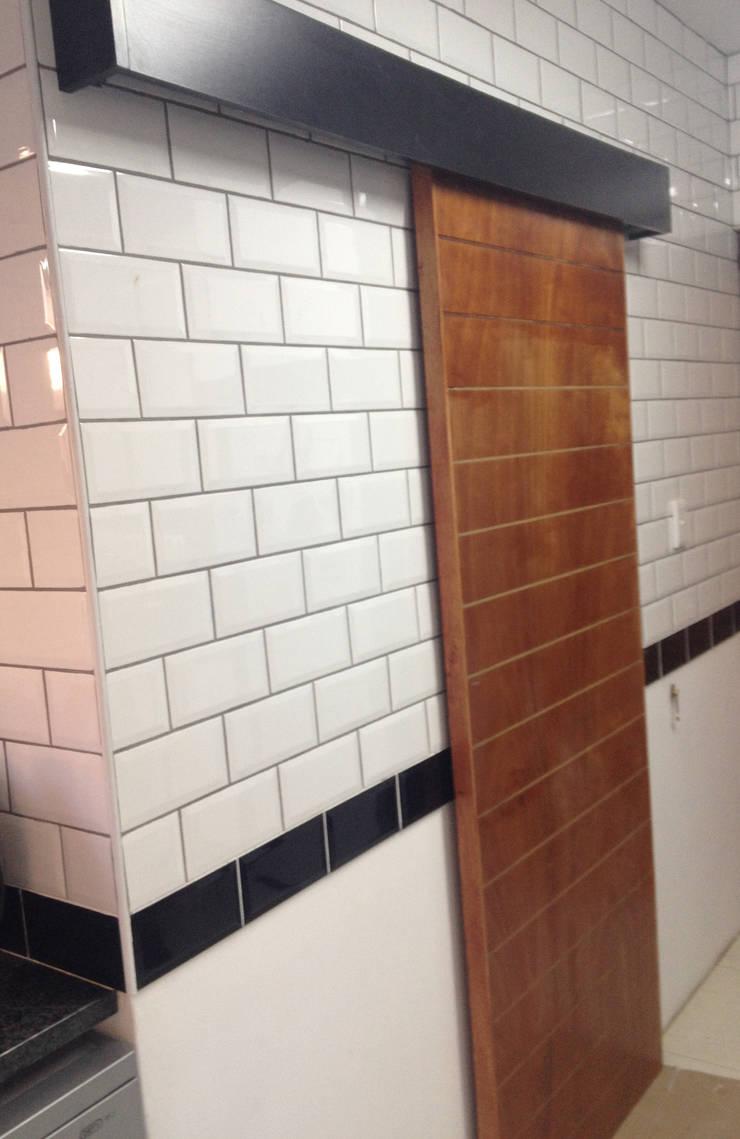 Pantry Sliding Door:   by Boss Custom Kitchens (PTY)LTD,