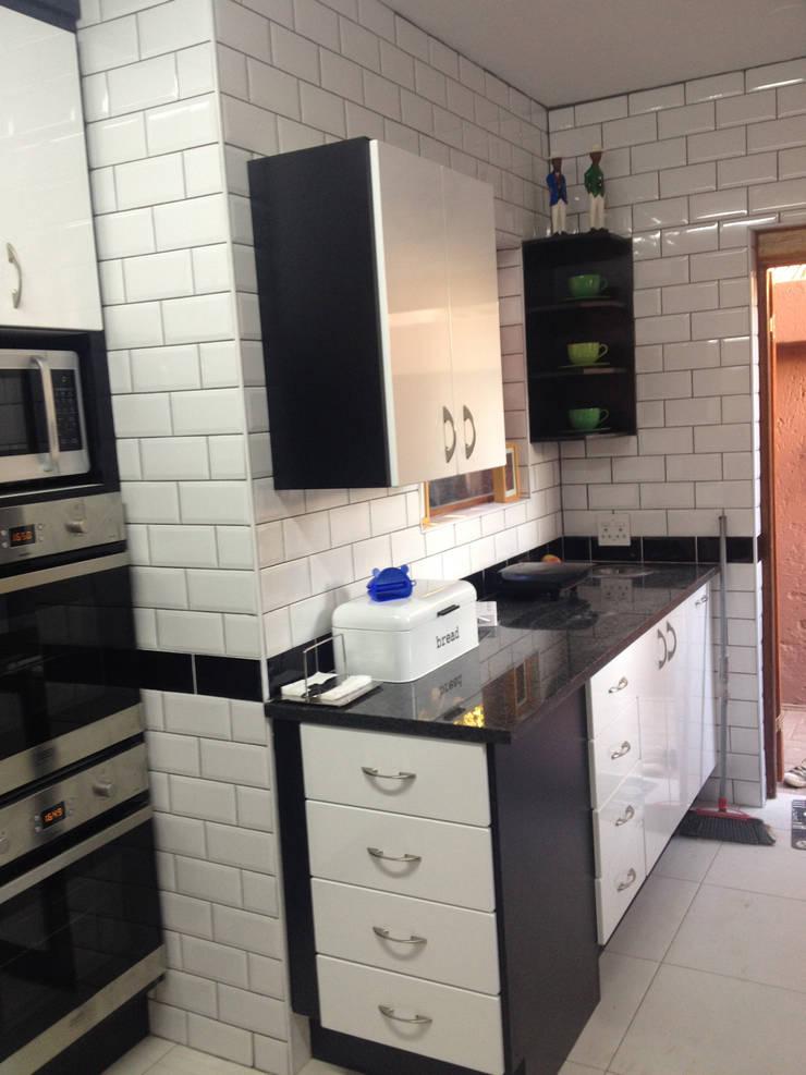 Right View:   by Boss Custom Kitchens (PTY)LTD,