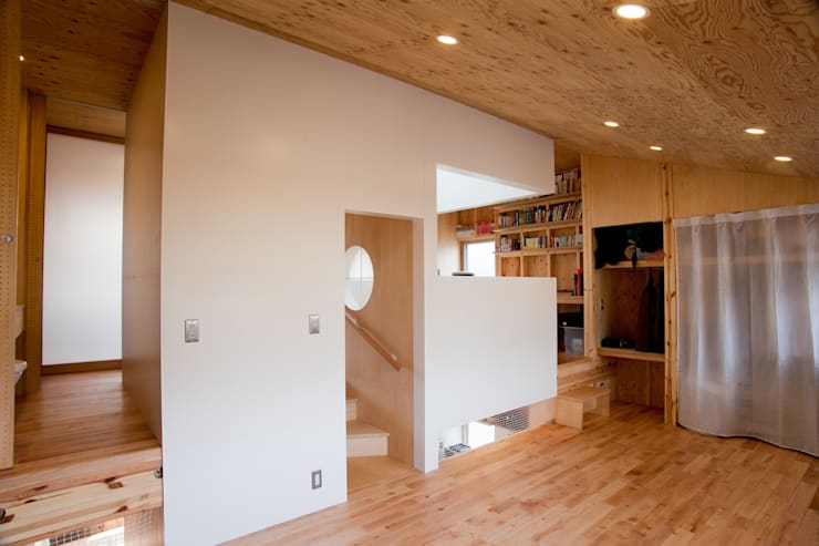 Спальни в . Автор – 水石浩太建築設計室/ MIZUISHI Architect Atelier
