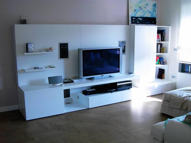 Projekty,  Salon zaprojektowane przez DS ARREDI IN LEGNO