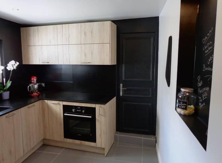 Une cuisine tout en bois et noir von ATDECO | homify