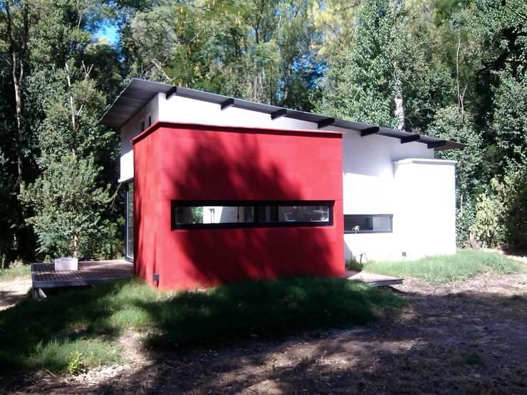 Otra casa, mi otra casa… : Casas de estilo  por Marcelo Manzán Arquitecto