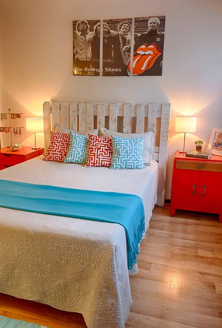 Dormitorio matrimonial    RUSTICO Y ECLÉCTICO : Dormitorios de estilo  por G7 Grupo Creativo,