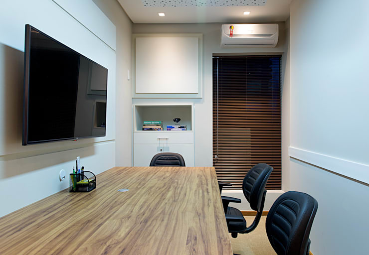 Offices & stores by Bruno Sgrillo Arquitetura,