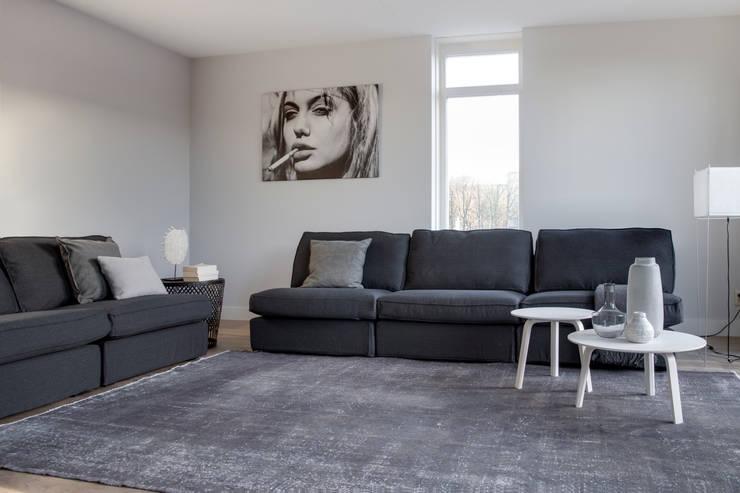 Гостиная в . Автор – Mariska Jagt Interior Design, Модерн