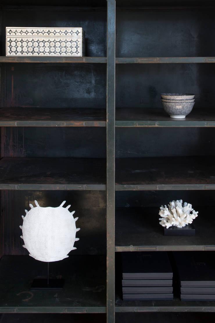 в современный. Автор – Mariska Jagt Interior Design, Модерн