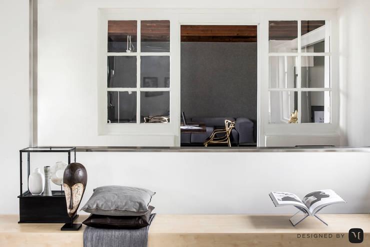 Eigen kantoor te Voorschoten:  Studeerkamer/kantoor door Mariska Jagt Interior Design, Modern